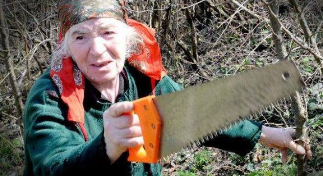 75  წლის  ქალმა,  რომელიც  ქსანში  ცხოვრობს  მთელი  სომხეთი  ინტერნეტის  გარეშე  დატოვა