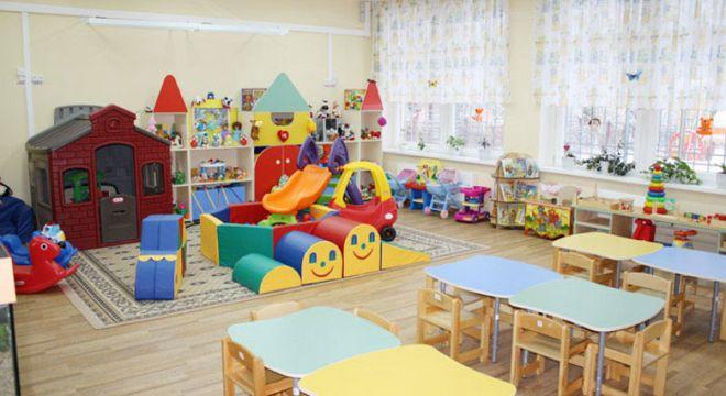 ოთახის შუაგულში ბავშვები თამაშობენ ხალიჩაზე, ჩემი შვილი კი მათ თვალწინ დგას თავიდან-ფეხებამდე სველი...   -  რა  მოხდა  თბილისის  საბავშვო  ბაღში?
