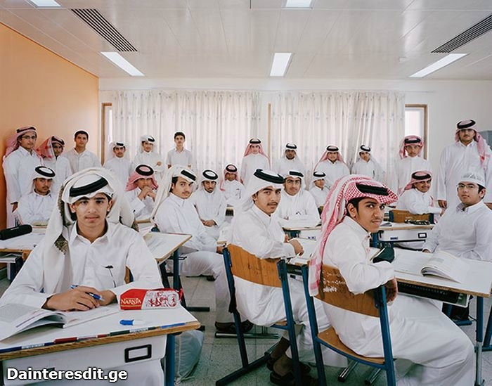 როგორ გამოიყურებიან მოსწავლეები და მათი კლასი სხვადასხვა ქვეყნებში (15 ფოტო)